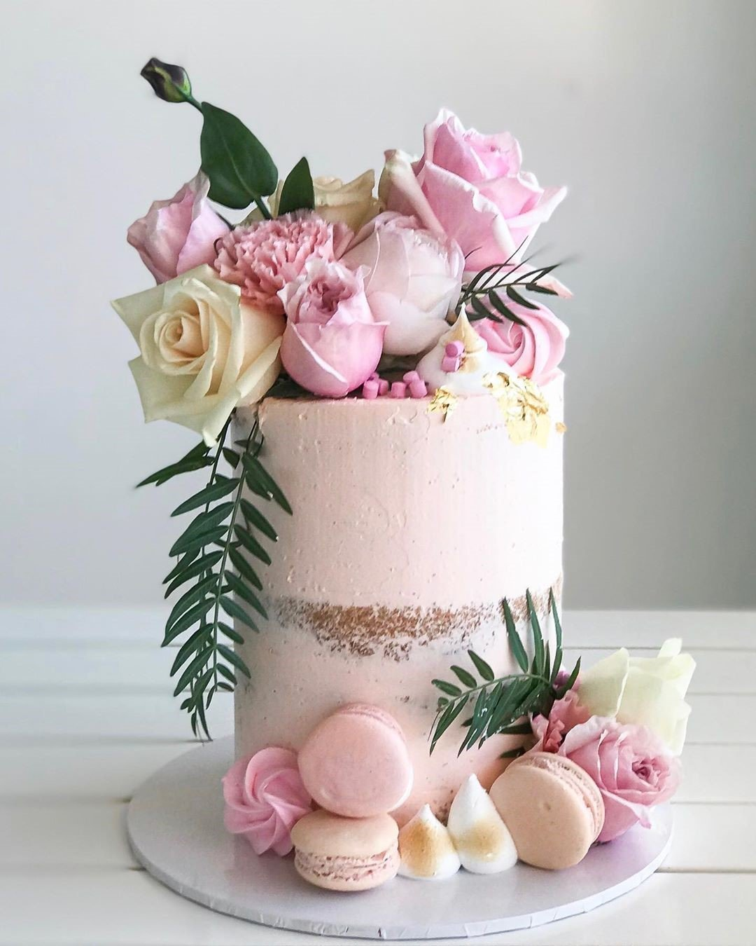 Pink Flower Cake celebrate events for lady in dubai