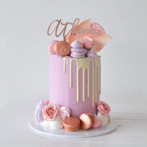 Lilac Love Cake celebrate her event in dubai