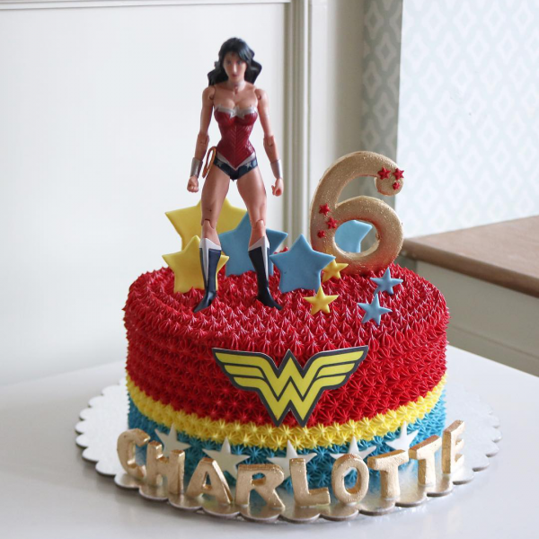 Wonder Woman Cream Cake - Kids' Birthday Party Cake Makers Dubai