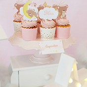 Cupcakes & Desserts Table